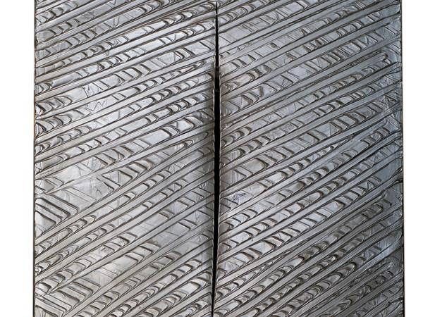 Lucio Fontana, Concetto spaziale, 1961, 100x80 cm., olio e taglio su tela