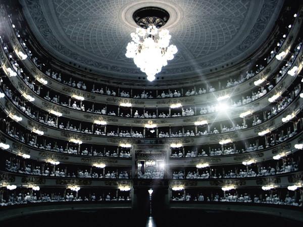 Grazia Toderi, Scala nera, 2006 Stampa Lambda su plexiglass, cm. 70,5x125