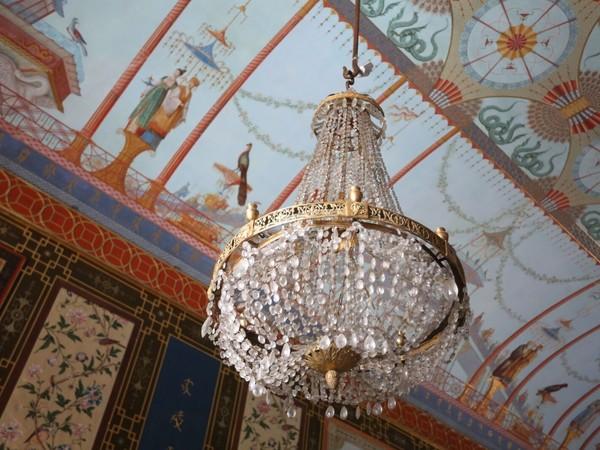 Gli antichi lampadari della Casina Cinese, Palermo