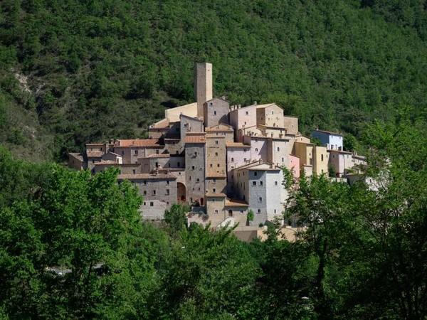 Castello di Postignano, Sellano (PG)