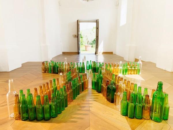 Valentin Carron, Bottle Man (Suavely), Noire Chapel, San Sebastiano
