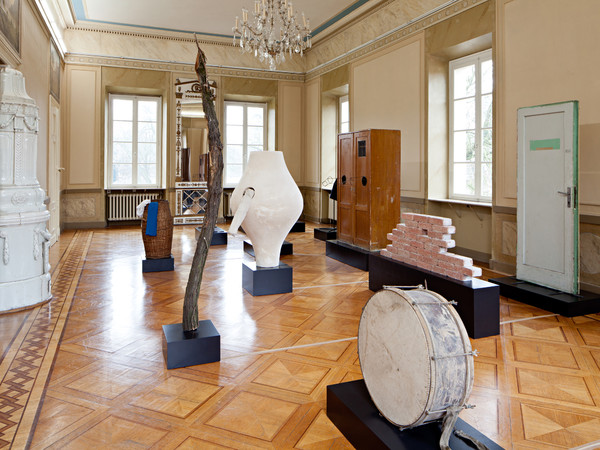 Eva Kot'átková, Theatre of Speaking Objects, 2012. Veduta dell'installazione, Kunstverein Braunschweig, 2013