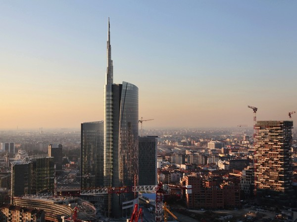 Milano racconta maria vittoria capitanucci la citt che - Uffici gtt porta nuova ...