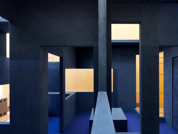 <em>Multiforme, declinazioni tra spazio e tempo</em>. Krijn de Koning, Nanda Vigo, Zeitguised, Venezia 2018 | Courtesy of Alcantara&reg;<br />