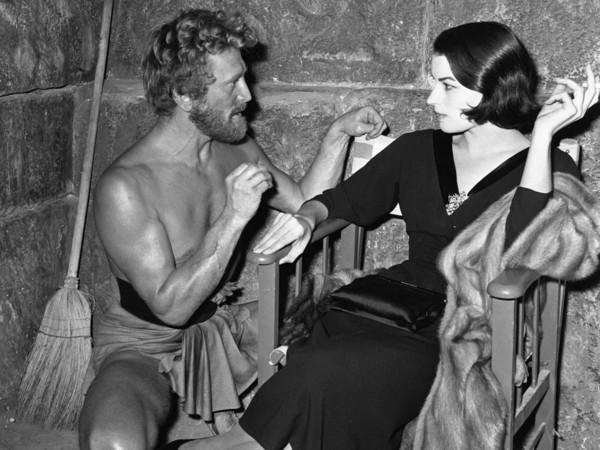 Silvana Mangano e Kirk Douglas in <em>Ulisse</em>, 1953 | © Foto ANSA<br />