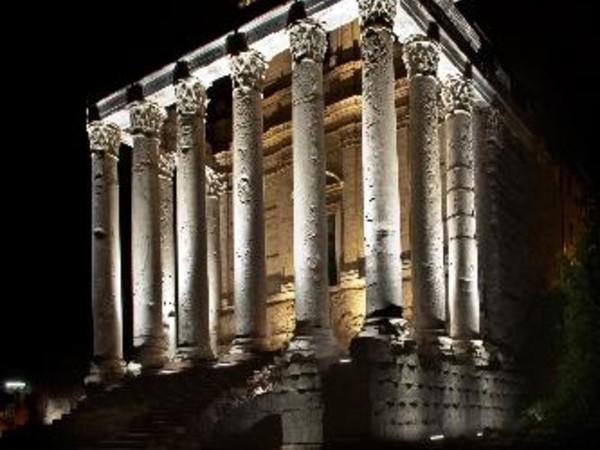 Tempio di Antonino e Faustina, Foro Romano, Roma