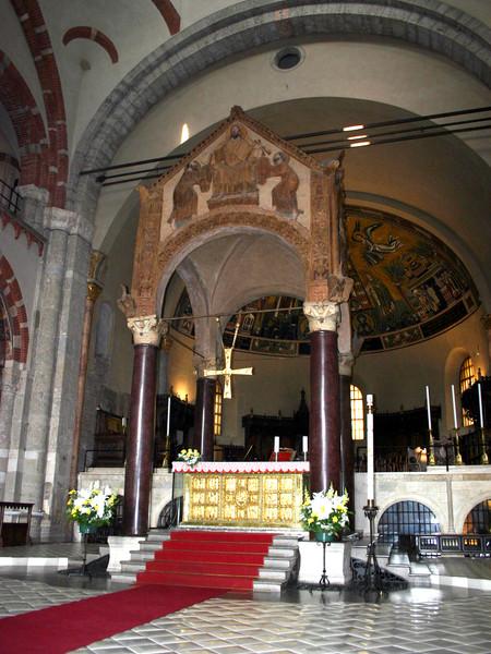 Ciborio e altare di Vuolvinio