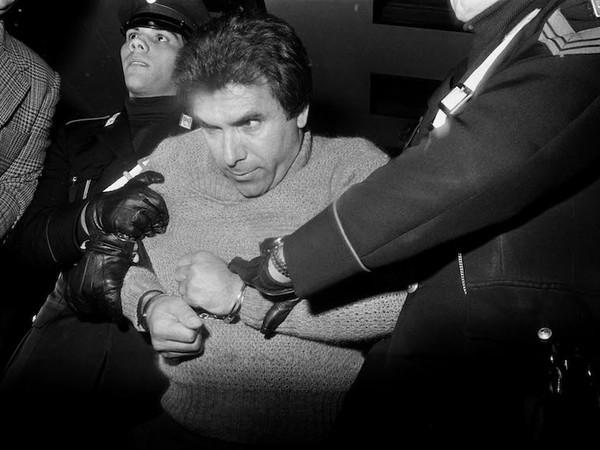 Letizia Battaglia,<em> L'arresto del boss Leoluca Bagarella,</em>Palermo 1980<br />