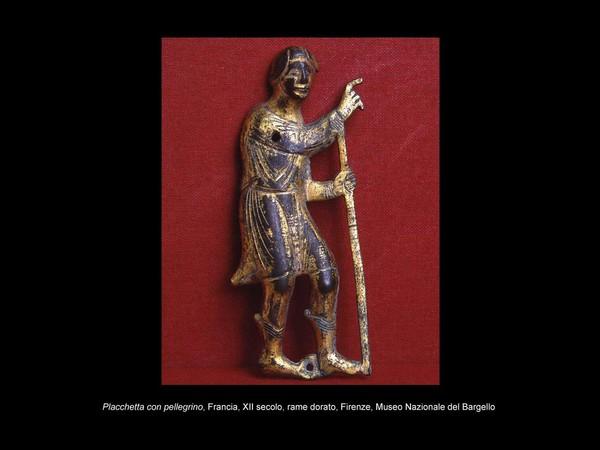 Placchetta con pellegrino, Francia, XII secolo, rame dorato. Museo Nazionale del Bargello, Firenze