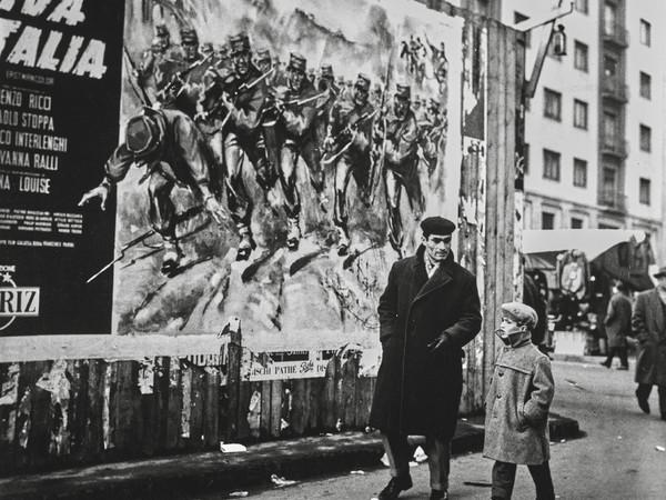 Nino de' Pietro,Milano, 1970.Raccolte Museali Fratelli Alinari (RMFA). Archivio De Pietro, Firenze