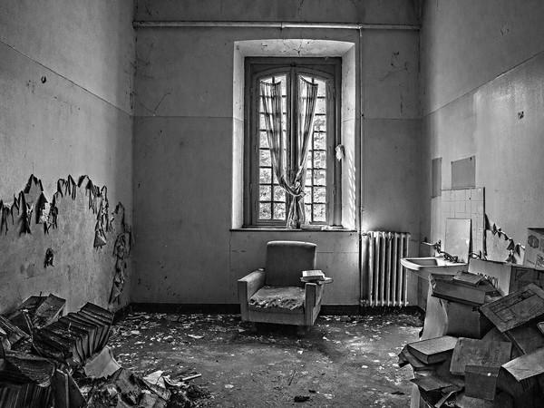 Marcella Milani, Una camera al primo piano dell'ex manicomio di Voghera