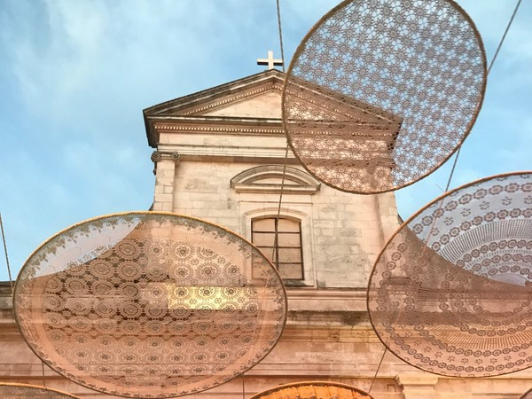 Bernardo Palazzo, Rainbow, installazione, Cisternino