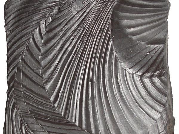 Antonio Ambrosini, Frammenti di tempo, 2011, terracotta e smalti