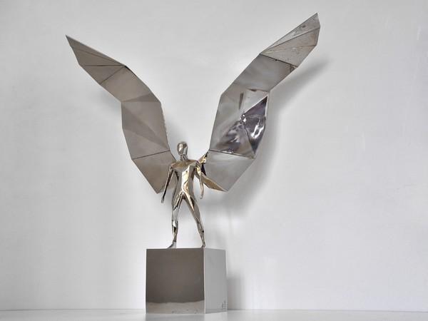 Daniele Basso, Gabriel, 2017, bronzo bianco, 48x15x52 cm.
