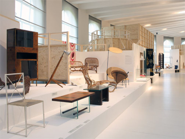 Uscire dalla crisi maturando come uomini, Triennale di Milano