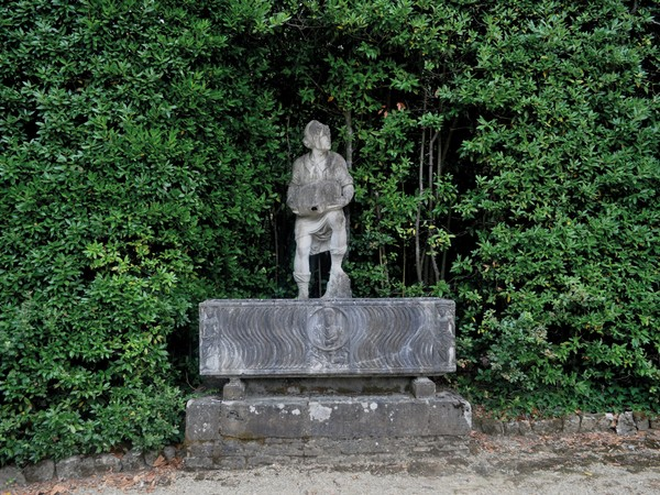 Giovanni di Paolo Fancelli, detto 'Nanni di Stocco', da un modello di Baccio Bandinelli, Villano con la botticella 1556-1557 marmo; 189x60x57 cm. Giardino di Boboli, depositi, Gallerie degli Uffizi, Firenze