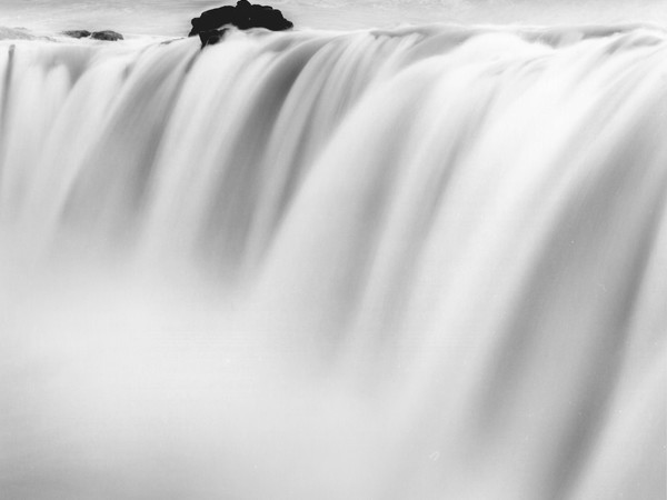 Francesco Bosso, Fluid Columns, Iceland, 2013