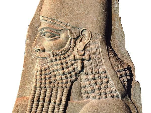 Frammento di bassorilievo assiro raffigurante il re Sargon II (722-705 a.C.) di profilo in abito cerimoniale | Courtesy of Museo di Antichità di Torino