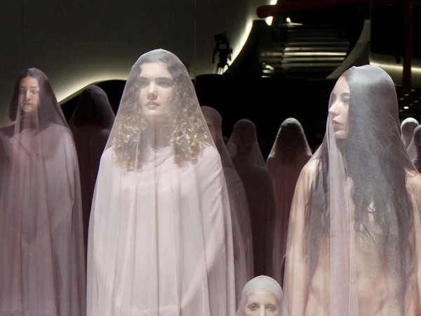 Vanessa Beecroft,<em> VB74</em>, Performance al MAXXI di Roma, 2014