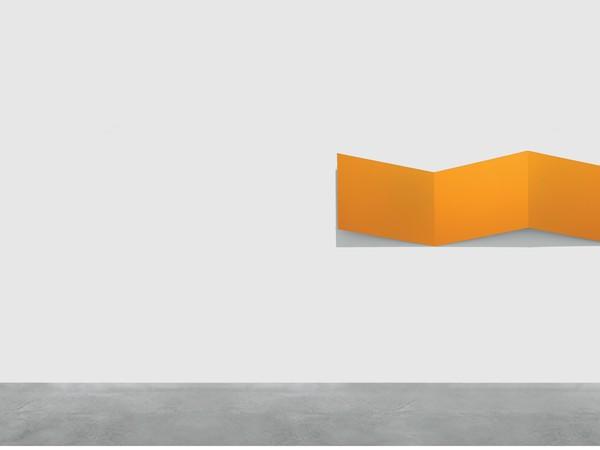 Wolfram Ullrich, MODES IV, 1992, acrilico su acciaio, 50x150x10 cm.