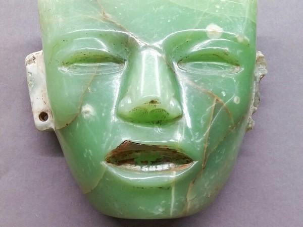 Maschera in onice verde, cultura Teotihuacàn, Messico, Museo deegli Argenti