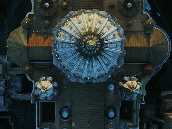 Veduta aerea della Basilica di San Pietro a Roma, Immagine tratta dal film