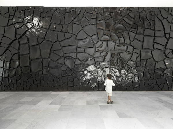Alberto Burri, <em>Grande Cretto nero</em>, 1978, Museo Nazionale di Capodimonte, Napoli | Courtesy of Press Office - Foto di Luciano Romano<br />