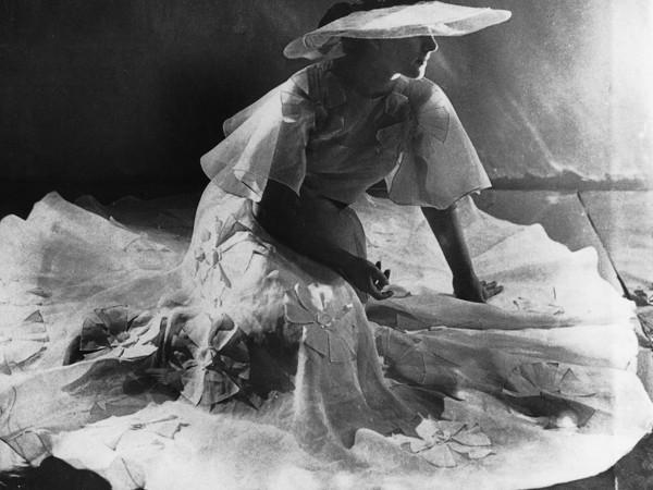 Dora Maar, Meret Oppenheim, 1936, cm. 16,5x24