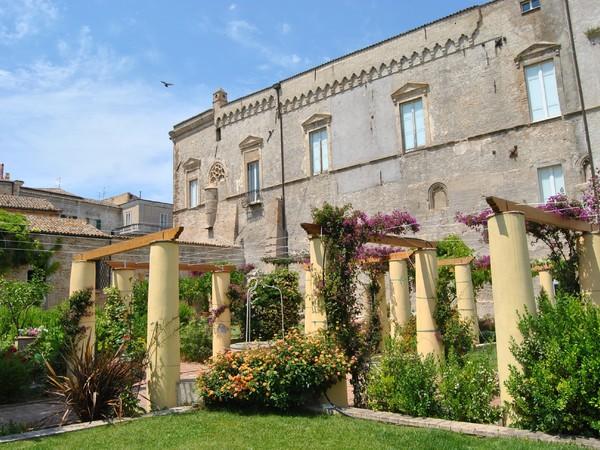 Palazzo d'Avalos dai Giardini Napoletani, Vasto (CH)