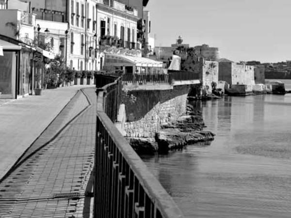 Tiziana Blanco,Lungomare di Alfeo e Castello di Maniace, Siracusa