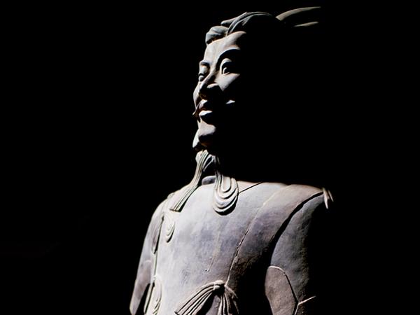 <em>L&rsquo;esercito di Terracotta e il Primo Imperatore della Cina</em> | Foto: Mario Zifarelli | Courtesy of Basilica dello Spirito Santo, Napoli