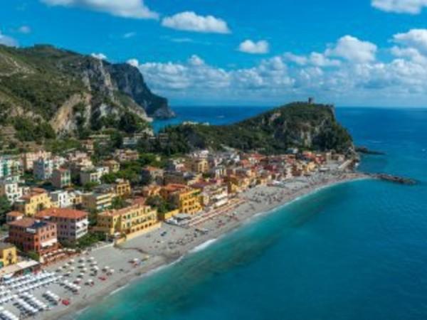 Roberto Merlo. Liguria: un ritratto dal cielo. 40 anni in volo