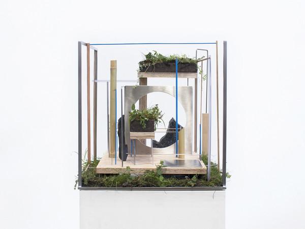 Camilla Alberti, WWW - Worlding Wild Web, 2020, scultura organica, 45 x 45 x 45 cm.