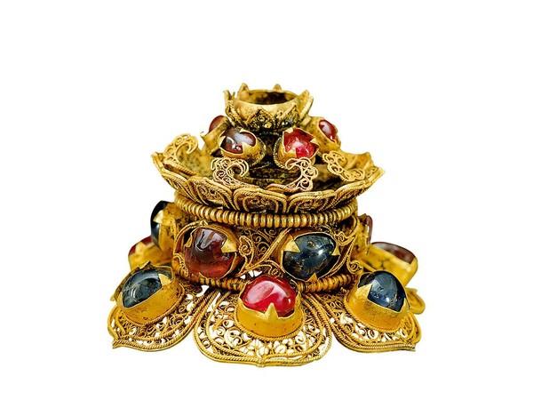 Punta di cappello con gemme incastonate in oro Dinastia Ming (1368-1644)