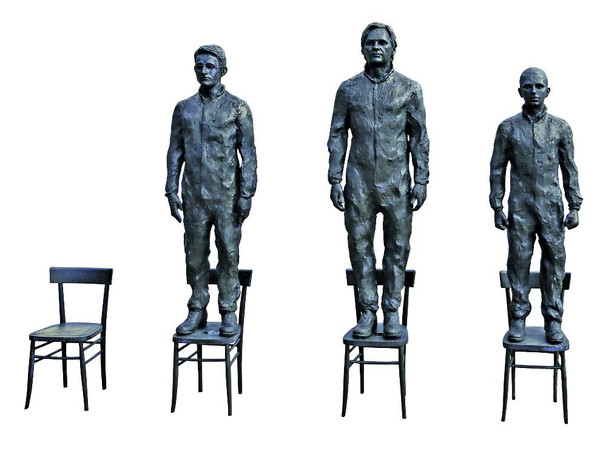 Davide Dormino & Charles Glass, <em>Anything to say? A monument to courage</em>, Gruppo scultoreo in bronzo