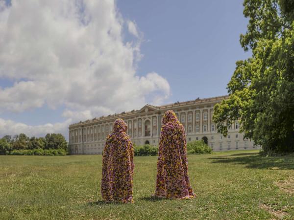 Vinci/Galesi, La terra dei fiori, performance, Reggia di Caserta, 2017