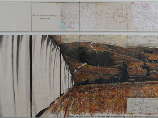 Christo, Running fence (Project for Sonoma County and Marin County, State of California), 1976, pencil, charcoal, pastel, wax crayon, with collage elements, thecnical data, map and tape, disegno in due parti: cm 38x243 / 243x106.6. Collezione dell'ar