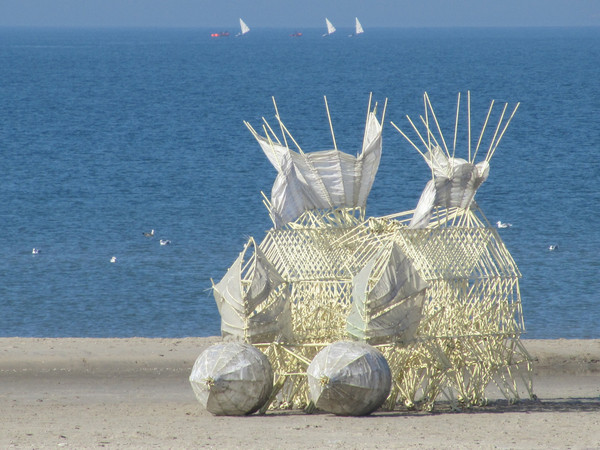 Theo Jansen<em>, STRANDBEEST</em>, <em>Animaris Gubernare</em> | &copy; Media Force<br />