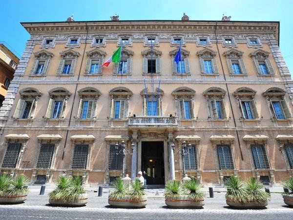 Palazzo madama di roma monumento for Sede senato italiano
