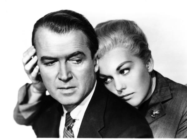 Kim Novak e James Stewart nella Donna che visse due volte, 1958
