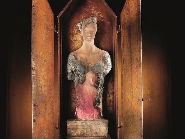 Ugo Riva, Lumen gentium, 2004, terracotta-ferro,198x29x23 cm