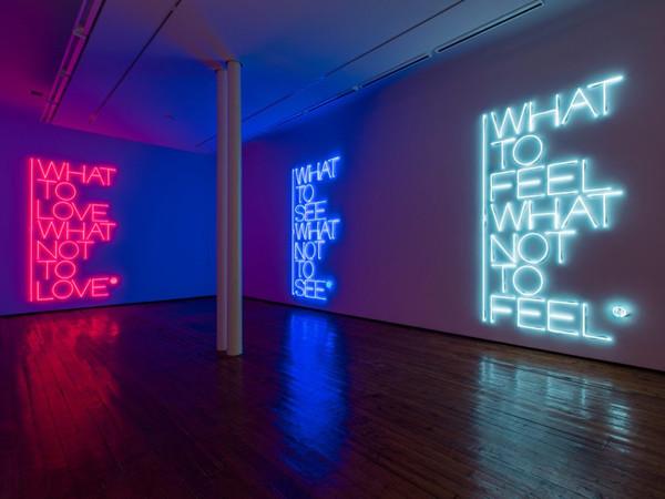"Veduta della mostra ""Maurizio Nannucci. What to see what not to see"", Galleria Fumagalli, Milano, 2017"