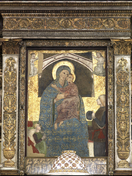 Affresco Trecentesco/Pugnale con il quale un giovane pugnalò, nel 1241, la figura del bambino da cui sgorgo sangue