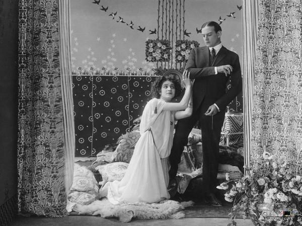 Frame dal film <em>Il volto di Medusa</em> di Alfredo De Antoni (1920)