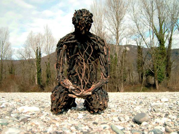 Alessandra Aita, Rinascita, scultura in legno