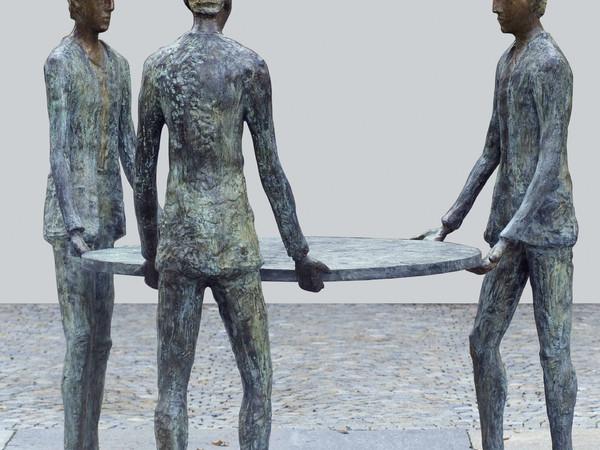Roberto Barni, Atto muto, 2013, bronzo, cm. 176x174