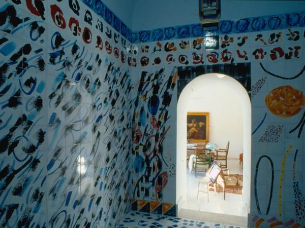 Ignazio Moncada, Stanza dell'irrequieto, ceramica policroma, Villa Trabia, Bagheria (1995)