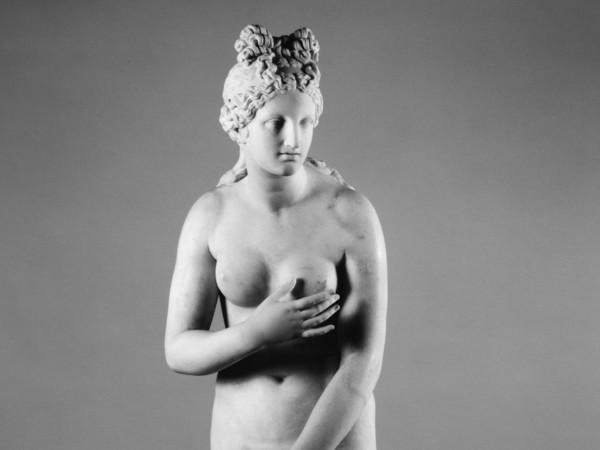 Venere Callipigia, Metà II secolo d.C., Marmo bianco, 152 cm, Collezione Farnese Napoli, Museo Archeologico Nazionale