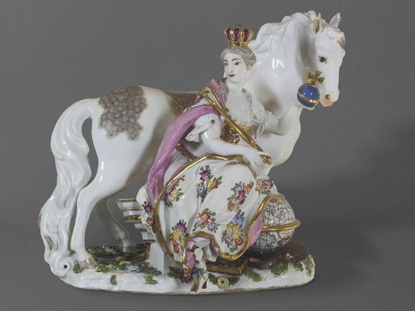 Bottega Meissen, Allegoria dell'Europa, Porcellana, 25,5 cm.