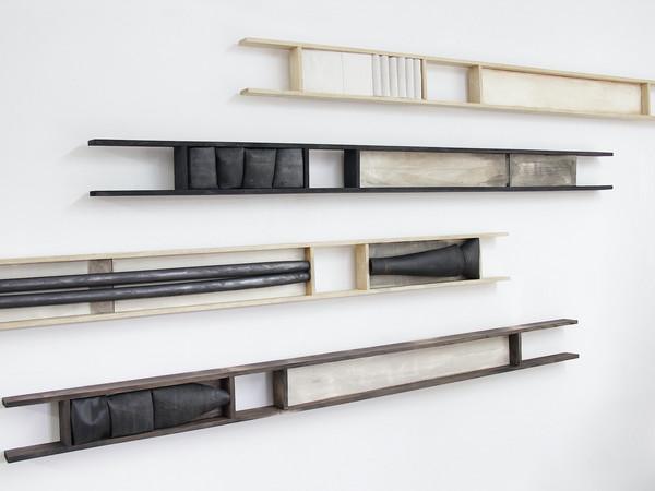 Antonio Pizzolante, <em>Non è tutto</em>, 2020, gomma butile tela acrilico su legno, cm. 320 x 200